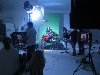 Studio 1: We Folk shooting 3 Mobile